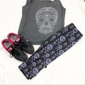 Skull leggings/workout size medium